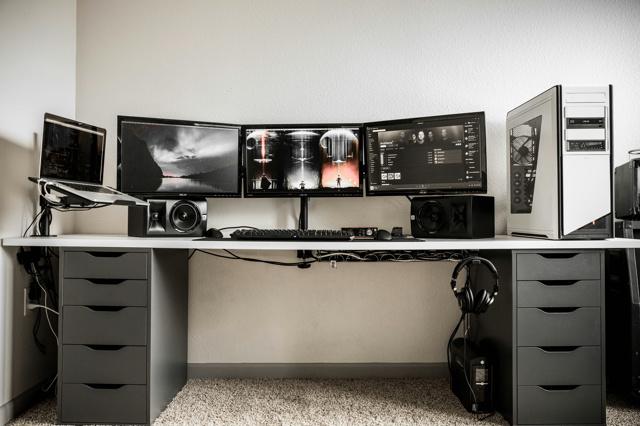 PC_Desk_MultiDisplay87_33.jpg