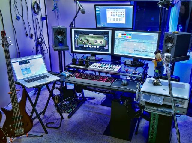 PC_Desk_MultiDisplay87_41.jpg