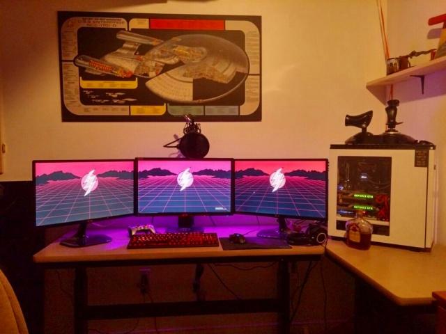 PC_Desk_MultiDisplay87_55.jpg