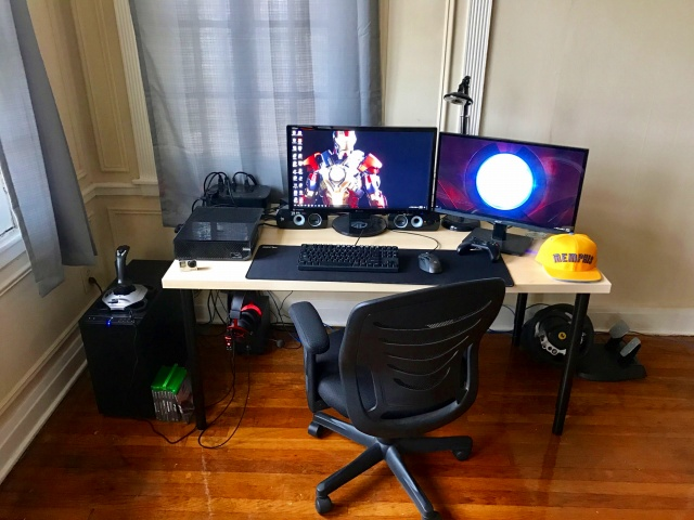 PC_Desk_MultiDisplay87_61.jpg