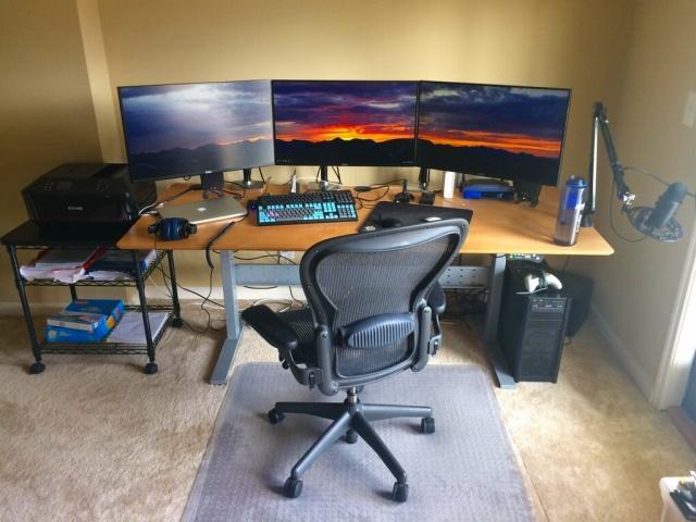 PC_Desk_MultiDisplay87_65.jpg