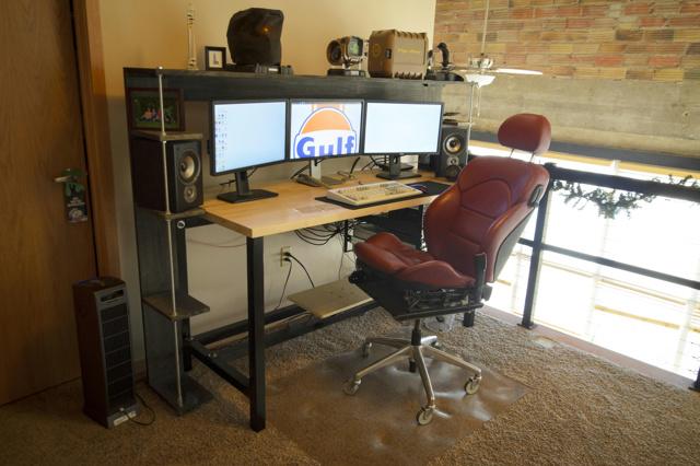 PC_Desk_MultiDisplay87_80.jpg