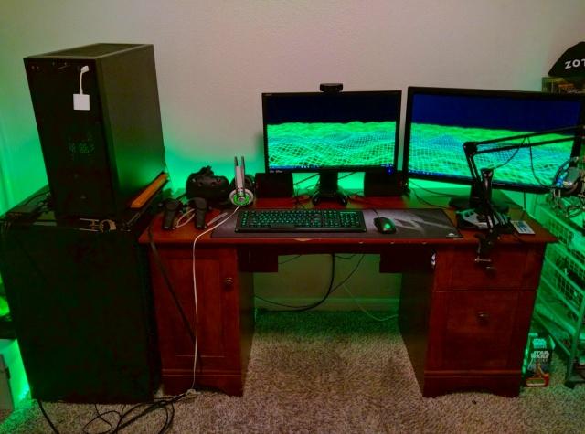 PC_Desk_MultiDisplay87_82.jpg
