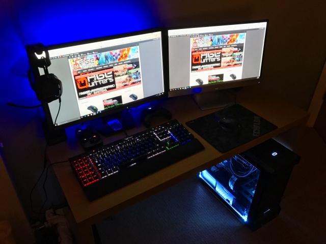 PC_Desk_MultiDisplay87_99.jpg