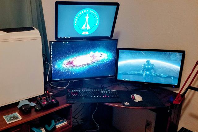 PC_Desk_MultiDisplay88_11.jpg