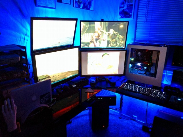 PC_Desk_MultiDisplay88_77.jpg