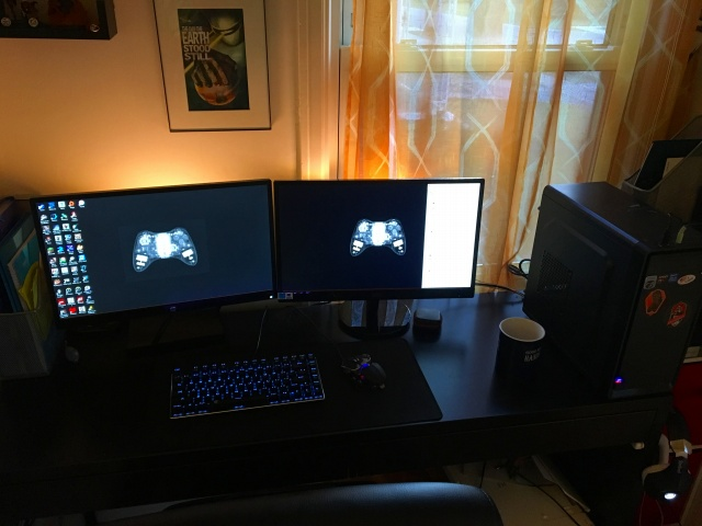 PC_Desk_MultiDisplay88_86.jpg