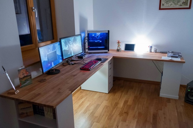 PC_Desk_MultiDisplay89_10.jpg