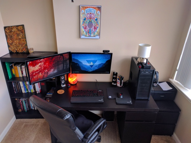 PC_Desk_MultiDisplay89_22.jpg