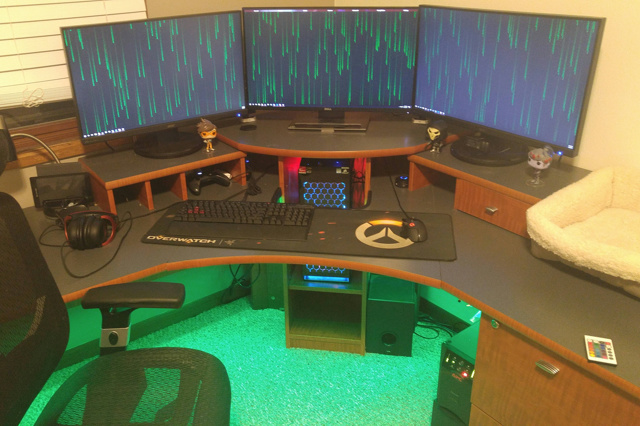 PC_Desk_MultiDisplay89_52.jpg