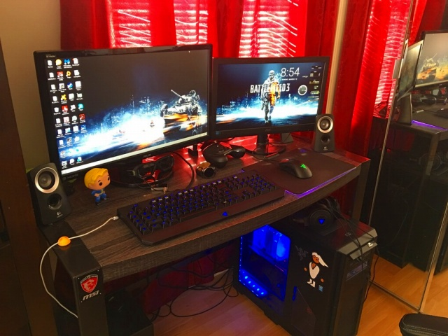 PC_Desk_MultiDisplay89_66.jpg