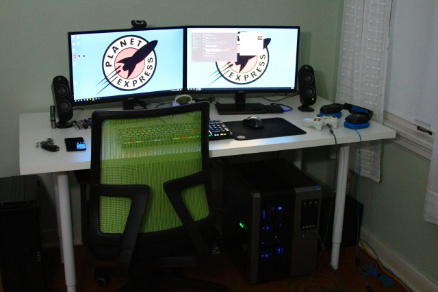 PC_Desk_MultiDisplay89_83.jpg