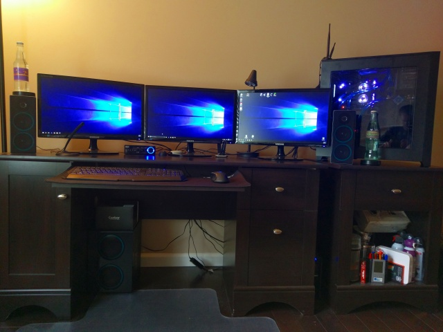 PC_Desk_MultiDisplay90_66.jpg