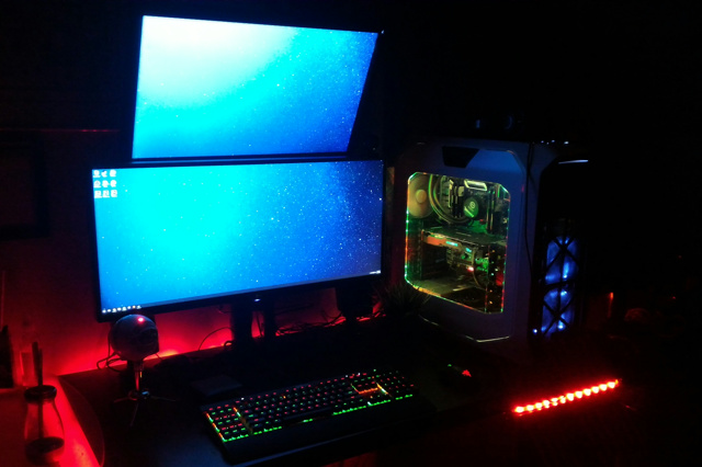 PC_Desk_UltlaWideMonitor17_03.jpg