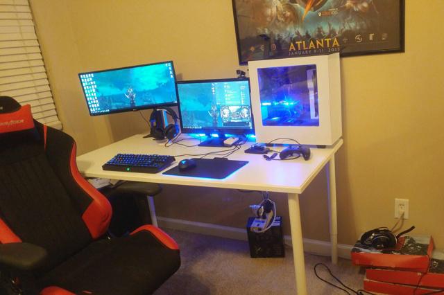 PC_Desk_UltlaWideMonitor17_24.jpg