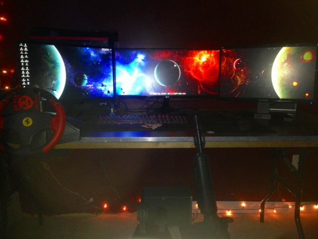 PC_Desk_UltlaWideMonitor17_31.jpg