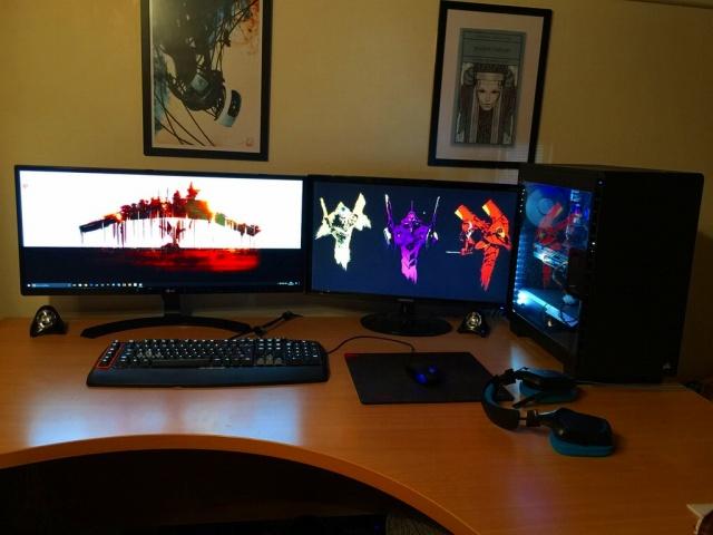 PC_Desk_UltlaWideMonitor17_32.jpg