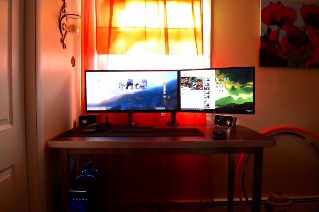 PC_Desk_UltlaWideMonitor17_36.jpg