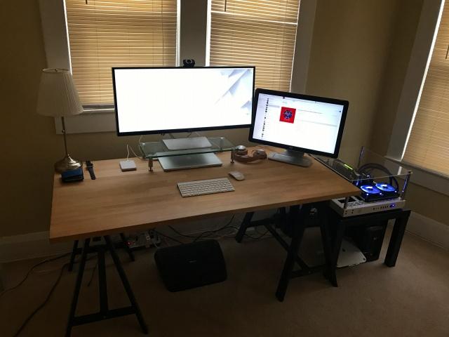 PC_Desk_UltlaWideMonitor17_53-.jpg
