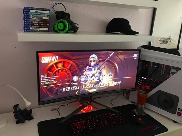 PC_Desk_UltlaWideMonitor17_67.jpg