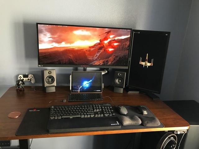 PC_Desk_UltlaWideMonitor17_89.jpg