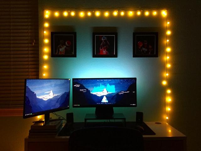 PC_Desk_UltlaWideMonitor17_99.jpg