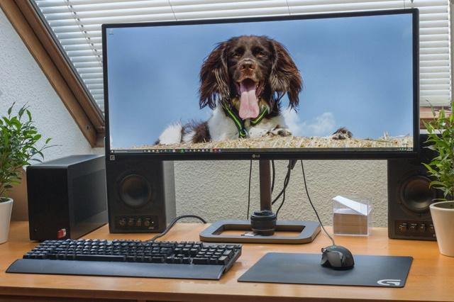 PC_Desk_UltlaWideMonitor18_49.jpg