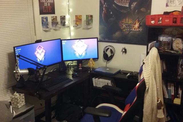 PC_Desk_UltlaWideMonitor18_54.jpg