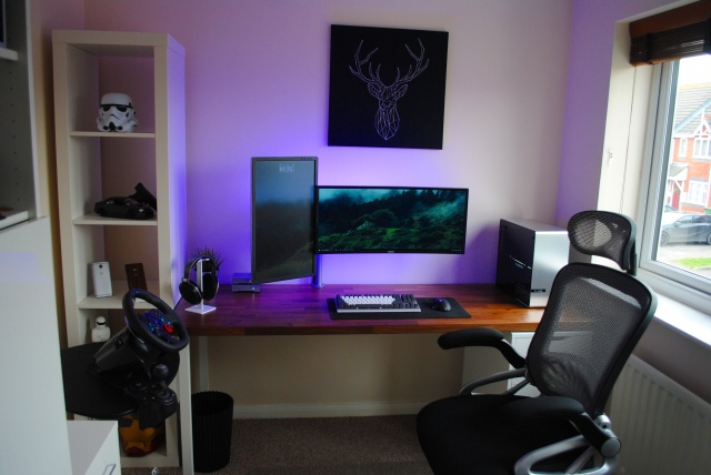PC_Desk_UltlaWideMonitor18_56.jpg