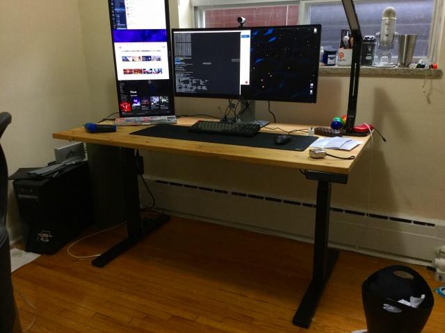 PC_Desk_UltlaWideMonitor18_94.jpg