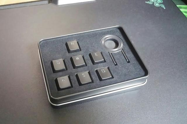 Razer_Metallic_Keycap_set_05.jpg