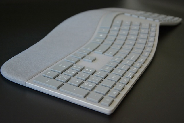 Surface_Ergonomic_Keyboard_13.jpg
