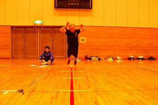 浅川鍼灸整骨院 体力測定 真田先生 ジャンプ