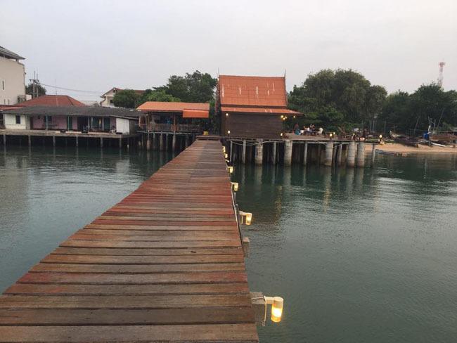 桟橋から、