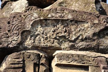 blog 233 Cambodia, Siam Reap, Roluos Group (Lolei, Preah Ko, Bakong) Bakong_DSC0043-12.4.13.(2).jpg