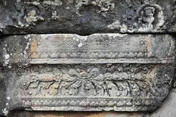 blog 233 Cambodia, Siam Reap, Roluos Group (Lolei, Preah Ko, Bakong) Bakong_DSC0048-12.4.13.(2).jpg