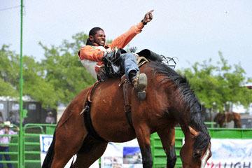 blog (6x4@300) Yoko 118 Livermore Rodeo, Bareback Bronco 4, Tre Hosley (74.5 Compton, CA) 2_DSC6986-6.11.16.(3).jpg