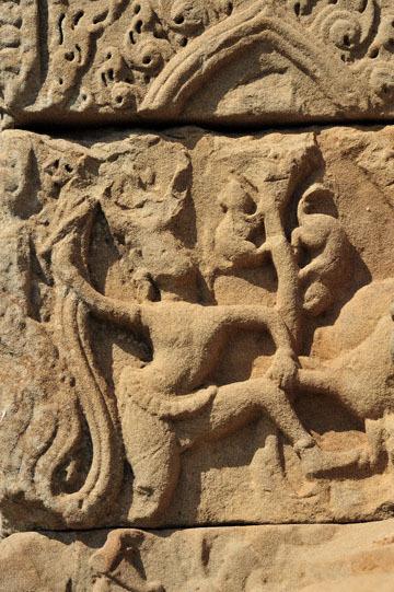 blog 233 Cambodia, Siam Reap, Roluos Group (Lolei, Preah Ko, Bakong) Bakong, Apsara_DSC0074-12.4.13.(2).jpg