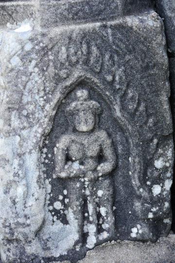 blog 233 Cambodia, Siam Reap, Roluos Group (Lolei, Preah Ko, Bakong) Bakong, Devata_DSC0082-12.4.13.(2).jpg