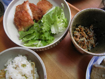 blog CP3 Dinner, Pea & Scallop Rice, Natto & Shirasu, Fried Squid_DSCN3698-2.8.17.jpg