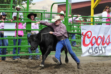 blog (6x4@300) Yoko 119 Livermore Rodeo, Wild Cow Milking 4, Lance Barsnick Jr & Dan Rechtin (NT) 2_DSC7367-6.11.16.(4).jpg