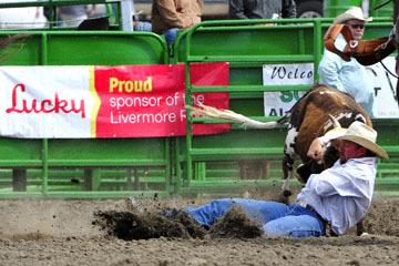 blog (6x4@300) Yoko 120 Livermore Rodeo, Steer Wrestling 1, Kyle Lockett (6.5 Visalia, CA) 2_DSC7392-6.11.16.(5).jpg