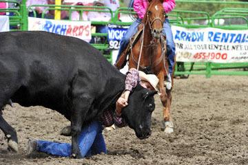 blog (6x4@300) Yoko 119 Livermore Rodeo, Wild Cow Milking 4, Lance Barsnick Jr & Dan Rechtin (NT)_DSC7369-6.11.16.(4).jpg