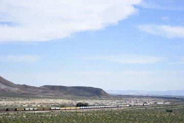 blog 10 Mojave to Daggett on 58, Freight Train, CA_DSC6630-3.19.17.(1).jpg