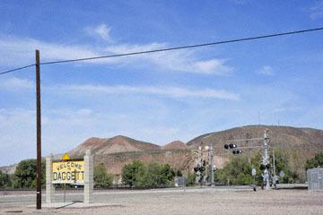 blog 10 Mojave to Daggett on 58, Freight Train, CA_DSC6689-3.19.17.(1).jpg