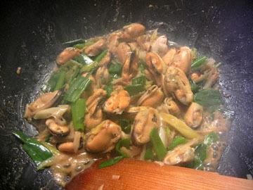 blog Dinner, Mussels & Scallions_DSCN2378-3.23.16.jpg
