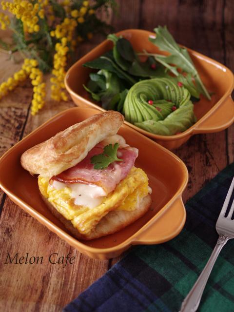 簡単チーズ包みベーコンと卵のクリスケット朝食00