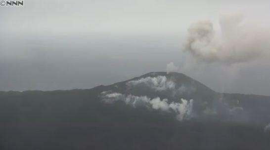 【海底火山】1年半ぶりに噴火した西之島…激しくマグマを吹き出す、さらに拡大も