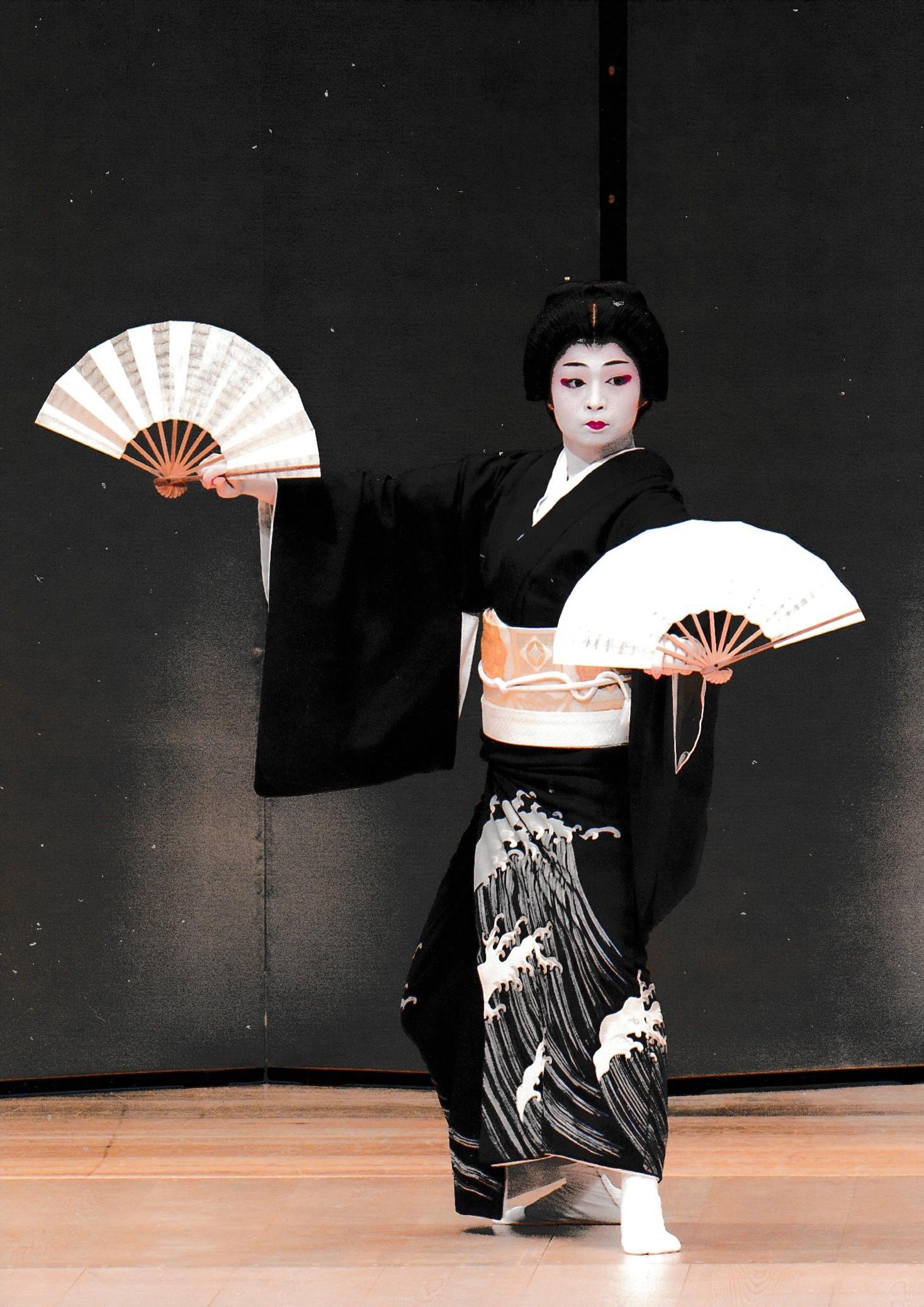 新春合同舞踊大会『八島』